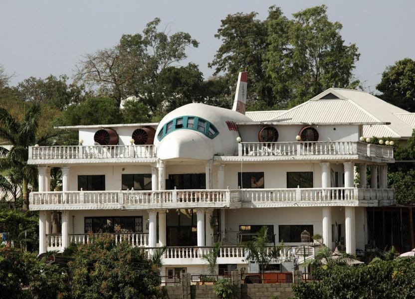 casa più strana del mondo aeroplano